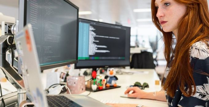 5 Reasons Your Business Needs Software Engineers for Development