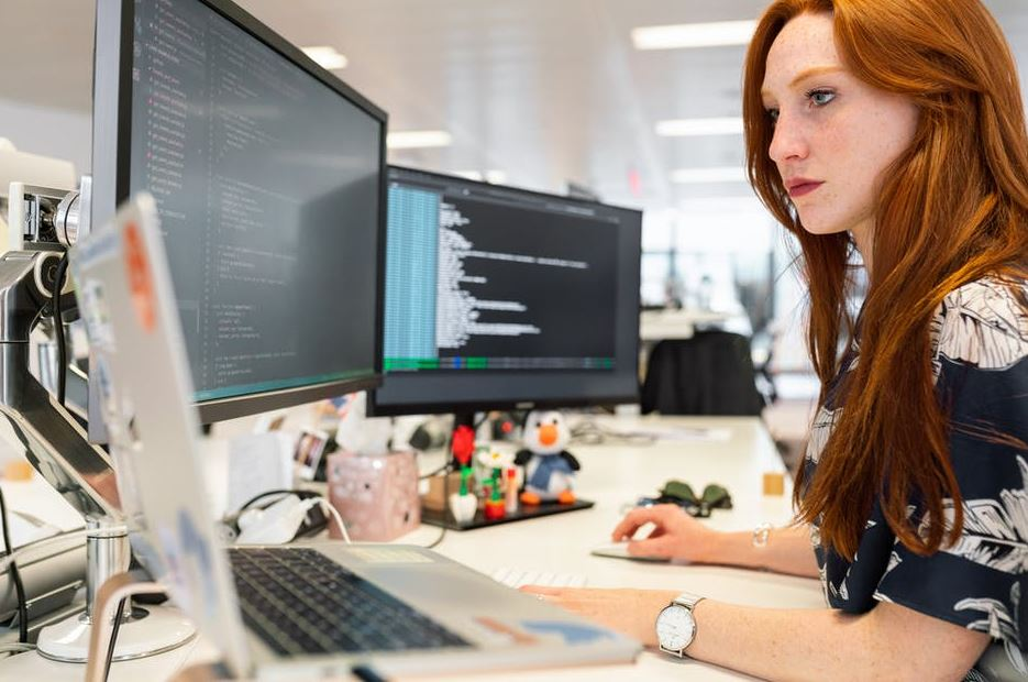 reasons businesses need hire software engineers for development